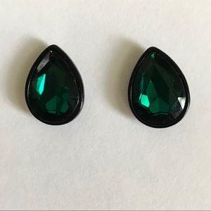⭐️LIKE NEW!!⭐️ Emerald Green Stud Earrings
